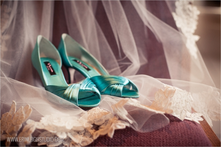 Modern-Olathe-Wedding-Photographer_0001